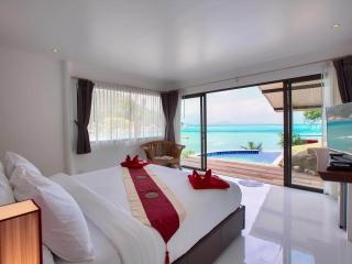Crystal Bay Yacht Club Private Pool Villa 7